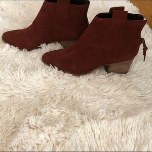 Rust-colored Booties